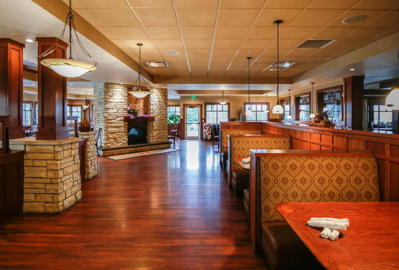 Rathbun Lakeshore Grille restaurant at Honey Creek Resort is open breakfast, lunch, and dinner