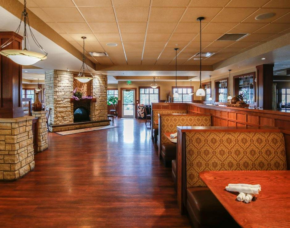 RV campers enjoy access to Honey Creek Resort amenities like dining at Rathbun Lakeshore Grille